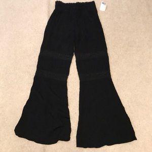 Forever 21 blk crochet leg elastic waist pant